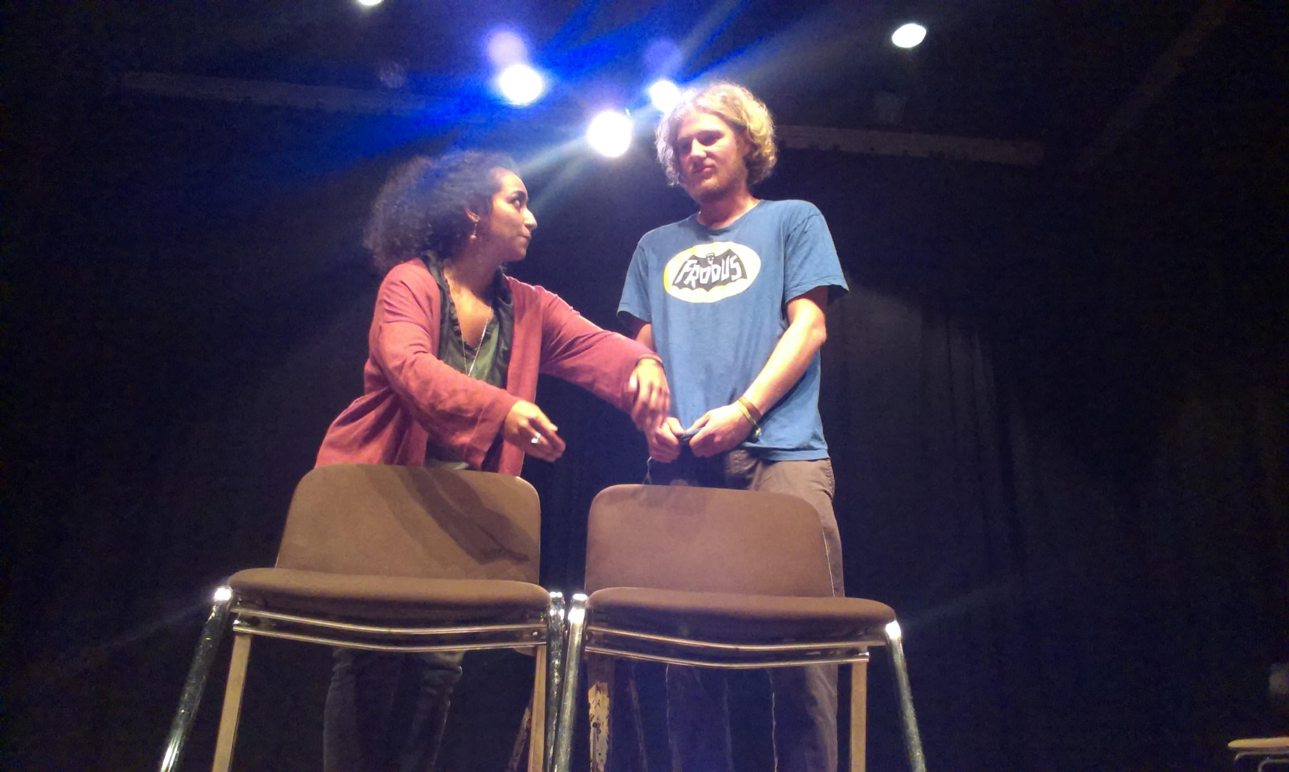 """Interaktiver Theaterabend in Berlin Kreuzberg: """"Was passiert zwischen uns, während wir alle in unseren Hamsterrädern durch den Alltag rennen?"""""""